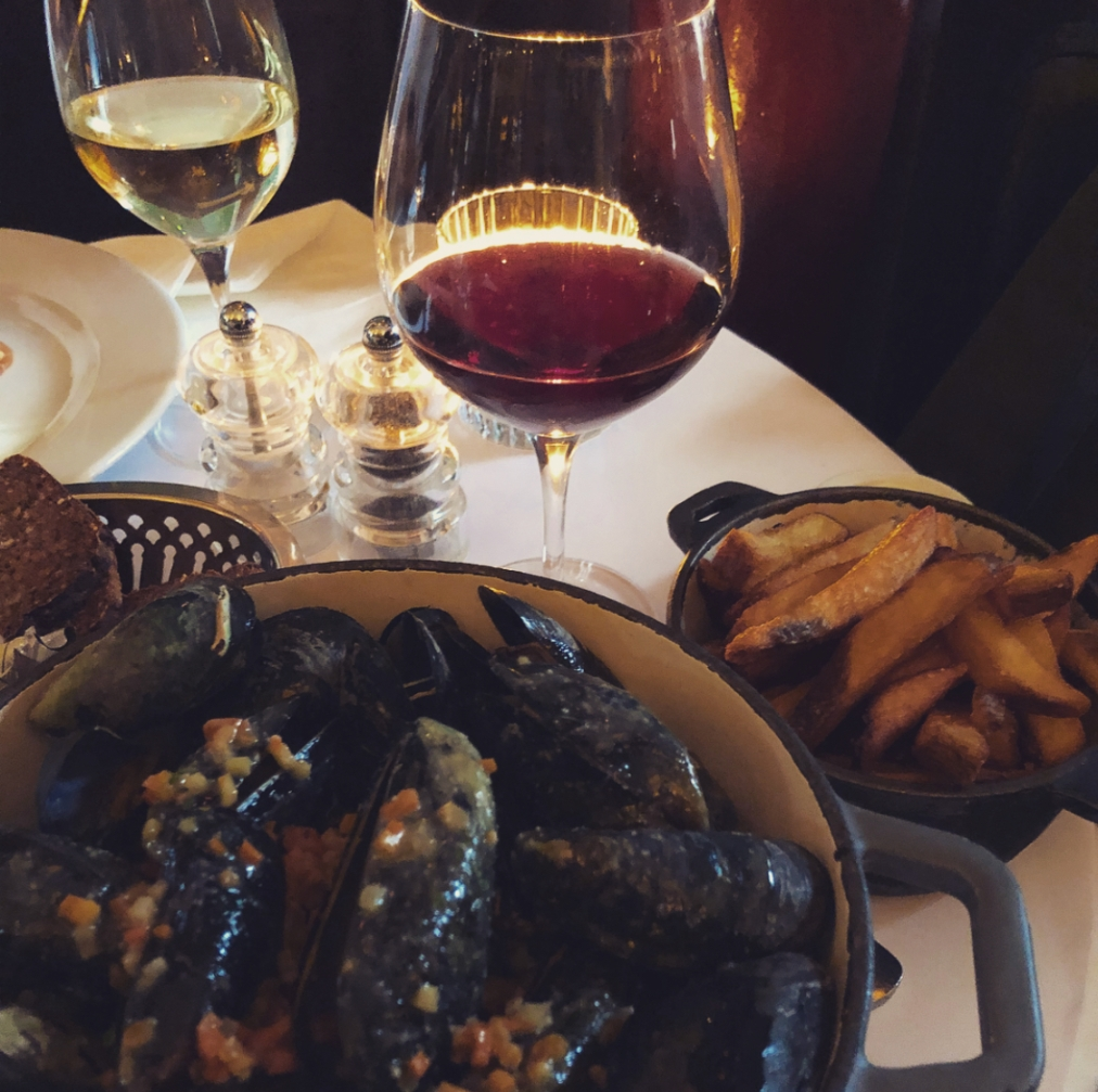 A Girls' Day in Denmark: The Strength of Women over a Pot of Mussels